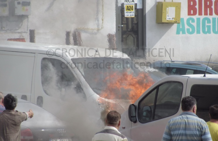 incendiu-auto-falticeni-8