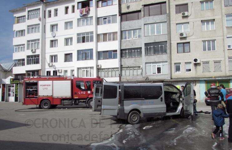 incendiu-auto-falticeni-9