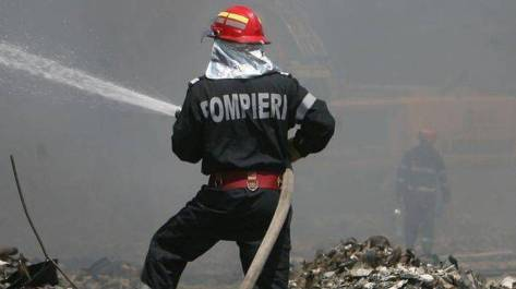 pompieri-radaseni-foc