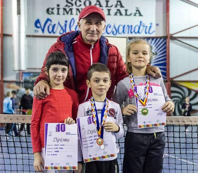 foto tenis de camp roman