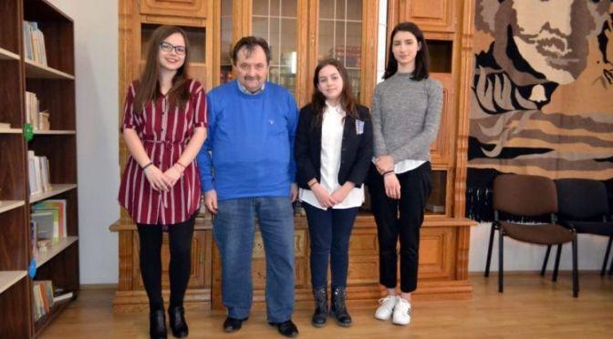"""Trei eleve de la Colegiul """"Nicu Gane"""" din Fălticeni s-au calificat la Olimpiada Națională de Geografie"""