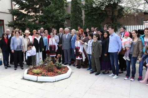 Fotografie de grup cu PrintulCharles la Fundatia FARA