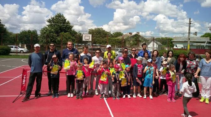 Fălticenenii au dominat turneele de tenis organizate la Iași și Roman