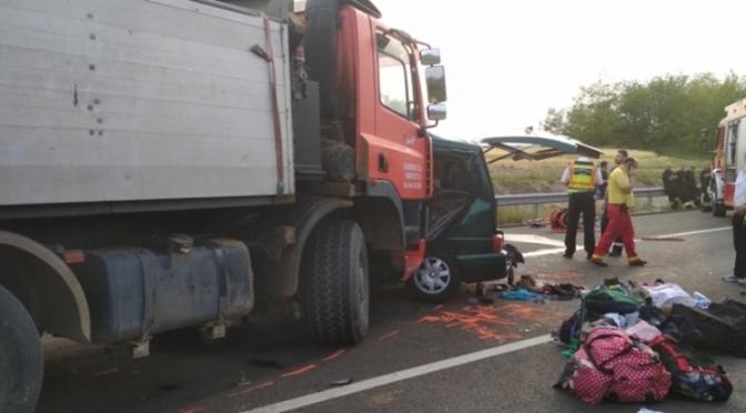 Mai mulți români au murit într-un grav accident rutier în Ungaria